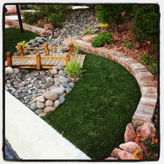 Dry river bed landscaping ideas: wooden bridge in your dry river bed Interested in renovating your garden? Nothing is more stunning than these dry river bed landscaping ideas. Read on, get inspired, and learn how! Cheap Landscaping Ideas, Landscaping With Rocks, Backyard Landscaping, Modern Landscaping, Backyard Ideas, Landscape Design, Garden Design, Dry Creek Bed, Dry River