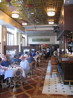 Luke Restaurant, New Orleans: Great oysters and bloody marys!