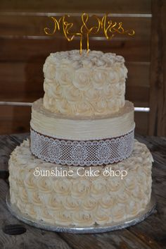 Rustic Rosette Cake with Edible Burlap and Lace