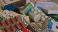 In Deutschland existieren keine speziell für Fibromyalgie zugelassenen Medikamente. Jedoch gibt es Medikamente für chronischen oder starken Schmerz, zum Beispiel Antidepressiva.
