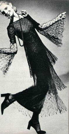 Christian Dor early 70s spider - web dress - History of web dresses: https://lucianolapadula.wordpress.com/2017/10/31/spider-dresses-from-the-past/