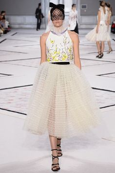 Sfilata Giambattista Valli Parigi -  Alta Moda Primavera Estate 2015 - Vogue