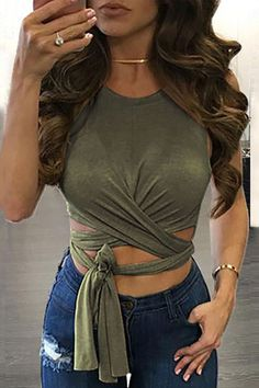 75bd38c6f34 Solid Color Knotted Sleeveless Sexy Crop Top