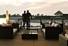 »St. Martins Therme«: weitläufig angelegtes Resort mit einem großartigen Spa-Bereich. Safari, Seen, Secret Places, Outdoor Furniture Sets, Outdoor Decor, Places To Visit, Luxury, Wellness, Home