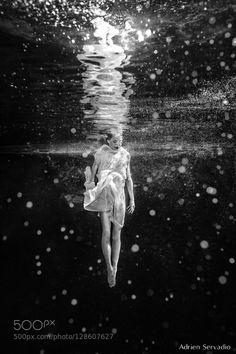 Dive by AdrienServadio #Underwater #fadighanemmd
