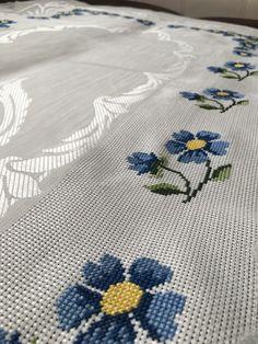 Cross Stitch Borders, Crochet Hammock, Face Towel, Towels, Cross Stitch, Embroidery Stitches, Hand Embroidery, Amigurumi, Dressmaking