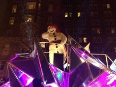10 Reasons to visit the Quebec Winter Carnival --#10 The fun night parades!