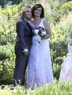 Sunday, singer/songwriter Melissa Etheridge and 'Nurse Jackie' TV producer Linda Wallen, both 53, were married. Congratulations to the happy couple!