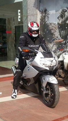 Tamil Hero Ajith Trip From Pune To Chennai In BMW K 1300 S Bike