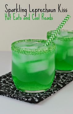 If you need a delicious drink for St Patty's day, then I have the perfect recipe for you!! Sparkling Leprechaun Kiss Drink from Hot Eats and Cool Reads