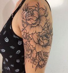 Bom dia Trabalho realizado ontem na cliente Marcele. Obrigado #grupoamazon #dragonflytattoo #criticaltattoo #tattoo #tattoos #tattoo2me #tguest #tattoaria #tattooer #flowers #rosetattoo #dotwork #dotworktattoo #djorgenesmartins #tattooartist