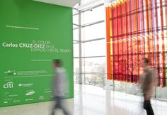Exposición Carlos Cruz-Diez. El color en el espacio y en el tiempo.