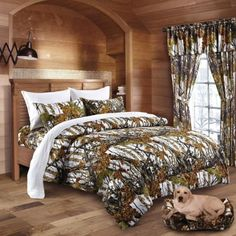 An awesome WOODS QUEEN SIZE 7PC SET CAMO COMFORTER AND TEAL SHEET ...