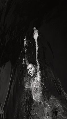Black and White Pics Estilo Beyonce, Beyonce Style, Beyonce Knowles Carter, Beyonce And Jay Z, Queen Bee Beyonce, Beyonce Beyhive, Beyonce Coachella, Destiny's Child, Queen Bees