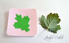 Judy's Cakes: Tutorial: How to Vein Leaves