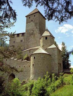 Medieval World, Medieval Castle, Medieval Fantasy, Fantasy Places, Fantasy Map, Catacombs, Fantasy Inspiration, Fantasy Landscape, Cityscapes
