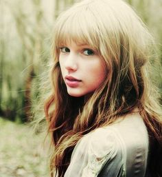"""Taylor Swift Without Makeup   justicexswift : """"Taylor Swift is ugly without makeup."""" I think you've ..."""