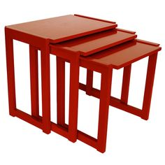 https://www.1stdibs.com/furniture/tables/tray-tables/paul-laszlo-nesting-tables-brown-saltman/id-f_966582/