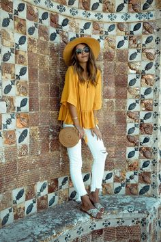 22 Beautiful Outfits With Round Bags | Glam is Here
