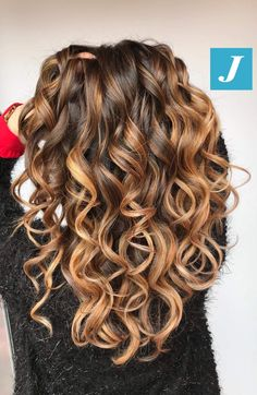 Long Wavy Ash-Brown Balayage - 20 Light Brown Hair Color Ideas for Your New Look - The Trending Hairstyle Brown Ombre Hair, Brown Hair With Highlights, Light Brown Hair, Ombre Hair Color, Brown Hair Colors, Caramel Highlights, Balayage For Curly Hair, Dark Brown, Colored Curly Hair