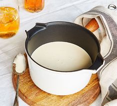 This indulgent whisky cream sauce will elevate your standard midweek meal. Serve this silky smooth sauce with haggis, steak or mashed potatoes Whisky Sauce Recipe, Whiskey Sauce, Bbc Good Food Recipes, Soup Recipes, Recipies, Whiskey Cream, Burns Supper, Cream Sauce Recipes, Midweek Meals