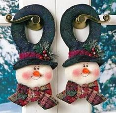 look what i found on zulily flower snowmen couple figurine by ziabella zulilyfinds - PIPicStats Crochet Christmas Gifts, Felt Christmas Decorations, Christmas Fabric, Christmas Snowman, Handmade Christmas, Christmas Diy, Christmas Ornaments, Snowman Door, Crochet Gifts