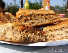 Placinta cu carne Romanian Food, Pastry And Bakery, Russian Recipes, Apple Pie, Lasagna, Banana Bread, Sandwiches, Party, Cooking