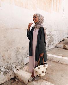 Dress Hijab Casual Beautiful Ideas For 2019 Modern Hijab Fashion, Islamic Fashion, Muslim Fashion, Modest Fashion, Modest Wear, Modest Dresses, Modest Outfits, Hijab Casual, Hijab Chic