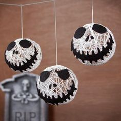 Awesome DIY Halloween decoration for a party or just to entertain trick or treaters. Could also make orange pumpkin ones