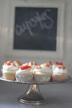 Nectarine cupcakes