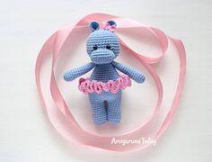 Mesmerizing Crochet an Amigurumi Rabbit Ideas. Lovely Crochet an Amigurumi Rabbit Ideas. Crochet Elephant Pattern, Crochet Hippo, Crochet Animals, Crochet Dolls, Free Crochet, Crochet Monkey, Beginner Crochet, Amigurumi Patterns, Crochet Patterns