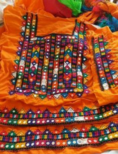 Hand Embroidery Dress, Basic Embroidery Stitches, Embroidery Works, Hand Embroidery Designs, Mirror Jacket, Kutch Work Designs, Dress Design Drawing, Balochi Dress, Baggy Dresses