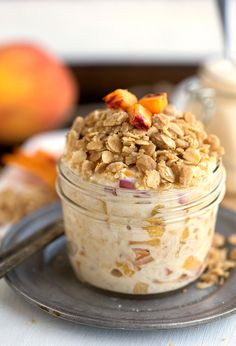 The BEST Peach Streusel Overnight Oats - tastes like peach pie for breakfast! Peach Overnight Oats, Brunch, Breakfast Recipes, Breakfast Ideas, Breakfast Time, Breakfast Basket, Second Breakfast, Breakfast Dishes, Oatmeal Recipes