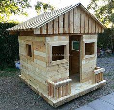 diy pallet wooden playhouse #playhouse #palletplayhouse #kids #pallets #woodpallet #palletfurniture #palletproject #palletideas #recycle #recycledpallet #reclaimed #repurposed #reused #restore #upcycle #diy #palletart #pallet #recycling #upcycling #refurnish #recycled #woodwork #woodworking