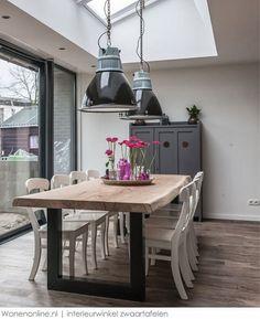 WOONINSPIRATIE XXL Stoere tafels, kekke stoeltjes en bijzondere lampen