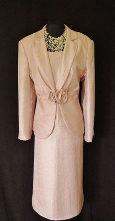 GINA BACCONI Light Pink Shimmery Skirt, Top & Jacket with Rose Detail, size UK16/18, suitable for Mature Bride, Mother of the Bride/Groom, Wedding Guest, Races or any Special Occasion