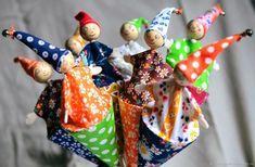 Купить или заказать Петрушка кукла-дергунчик в интернет магазине на Ярмарке Мастеров. С доставкой по России и СНГ. Материалы: картон, дерево, ткань, акриловые…. Размер: 30 см - вся игрушка вместе с палочкой,…