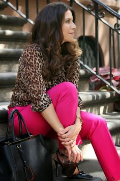 Pink pants, leopard blouse, and Velentino heels. I could definitely go without the heels, but I'd love everything else. Pink Pants Outfit, Hot Pink Pants, Today's Outfit, Orange Pants, Work Fashion, Fashion Outfits, Womens Fashion, Fashion Ideas, Leopard Print Outfits