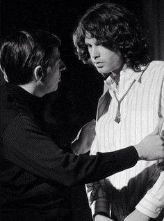 """pamelacourson: """"É este Greene Bob com Jim? Oi! o homem aqui, é Tommy Smothers do show Smother Irmãos antes do aparecimento dos Doors na transmissão Smothers Brothers Comedy Hour em 15 de dezembro de 1968. """""""