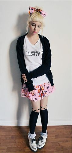 Make yourself Kawaii with this awesome Japanese fashion inspired style from Akihabara: Fairy Kei Pastel Goth Outfits, Pastel Goth Fashion, Pastel Outfit, Zooey Deschanel, Cute Fashion, Asian Fashion, Fashion Tips, Visual Kei, Costumes