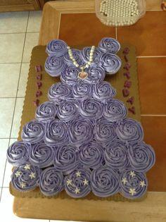 Sophia the cupcake cake Cinderella Birthday, Ballerina Birthday, Princess Birthday, Princess Party, Princess Cupcake Dress, Princess Cupcakes, Beautiful Cupcakes, Cute Cupcakes, Cupcake Birthday Cake