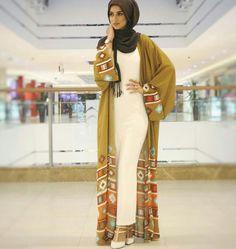 Newest Summer time Kimono Hijab Outfit Inspirations Ladies Hijab Model & Hijab Fas Arab Fashion, Islamic Fashion, Muslim Fashion, Modest Fashion, Fashion Outfits, Fashion Ideas, Kimono Hijab, Hijab Dress, Hijab Outfit