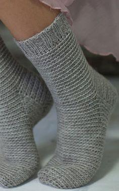 Crocheted socks (no pattern; Crochet Socks, Knit Or Crochet, Knitting Socks, Crochet Stitches, Hand Knitting, Knitting Patterns, Knitting Projects, Crochet Projects, Lots Of Socks