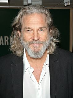 1949 – Oscar winning actor Jeff Bridges, son of famed actor Lloyd Bridges and the younger brother of actor Beau Bridges, was born in Los Angeles. Lloyd Bridges, Jeff Bridges, Long Beard Styles, Hair And Beard Styles, Beard Boy, Beard No Mustache, Older Mens Hairstyles, Medium Hair Styles, Long Hair Styles