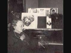 comparison of the beginning of Schubert's Piano Sonata No. 21 B flat D 960  (please listen to Judina!!!)