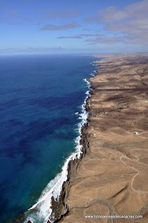 FUERTEVENTURA - FOTOS AEREAS DE CANARIAS Cool Places To Visit, Places To Travel, Places To Go, Travel Destinations, Tenerife, Fuerteventura Island, Travel Wallpaper, European Vacation, Canario