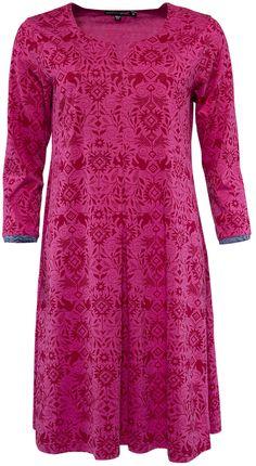 Gudrun Sjödéns Winterkollektion 2014 - Das Kleid Smilla aus Baumwolle/Modal besticht durch sein unaufdringliches Muster mit hübschen Vögeln und anderen Elementen der Natur. Erhältlich in folgenden Farben: Zichorie, Hibiskus oder Schwarz.