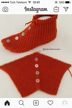 Crochet Buttons, Crochet Socks, Crochet Baby Shoes, Crochet Clothes, Knit Crochet, Knitting Paterns, Easy Knitting, Knitting Socks, Crochet Stitches