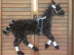 Horse Wreath/ Polo Pony/ Horse Head Wreath Dressage Horses, Friesian Horse, Wreath Crafts, Fun Crafts, Horse Head Wreath, Pony Horse, Horse Art, Horse Stuff, Ponies