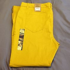 Size 16 Stretch Ankle Zip Skinny Fit Jean Size 16 Ankle Zip Stretch Skinny Fit Jean By GH Bass & Co.  In a mustard color. G.H. Bass & Co. Jeans Skinny